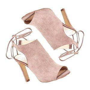 Vince Camuto Ollisa leather peep toe pumps 8.5